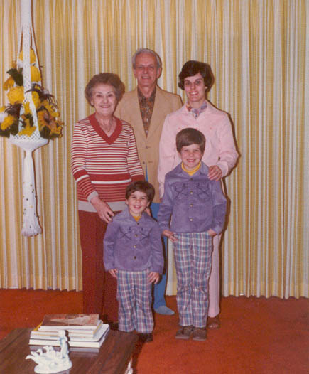 Nana, Peter, Grampa, Vandy, and Mom in 1978